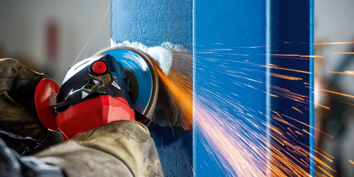 Preparing the coated steel using an angle grinder